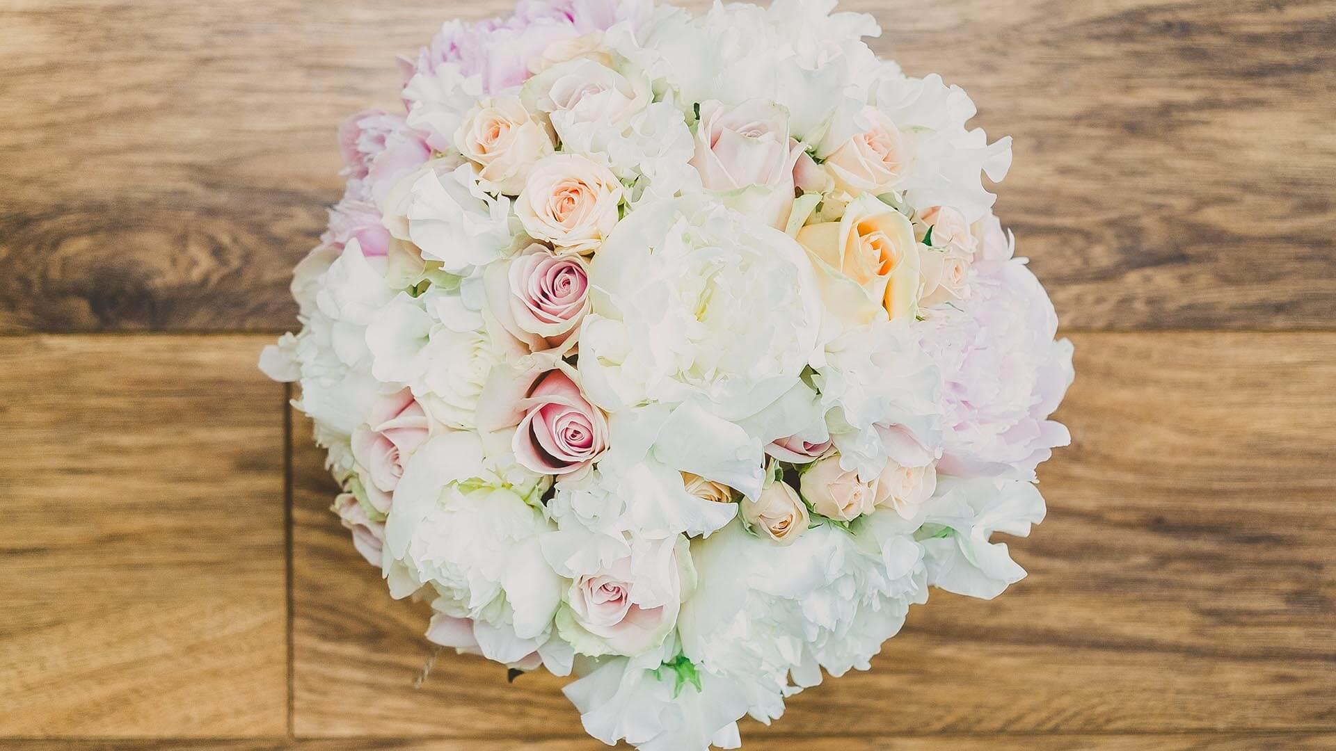 Dunedin Country House Wedding Flowers Lauren & Adam-011