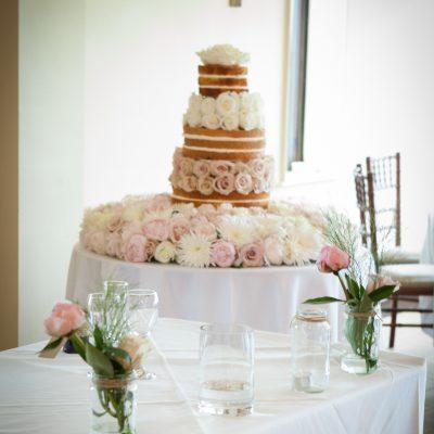 Naked cake flowers roses